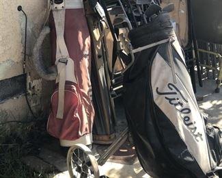 https://www.grasons.com/wp-content/uploads/2019/11/golf-clubs-715567-nok2wsuC.jpg