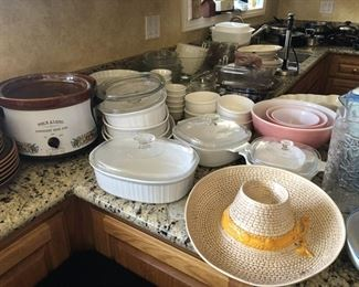 https://www.grasons.com/wp-content/uploads/2019/11/pyrex-and-slow-cookers-330253-p7OHALrI.jpeg