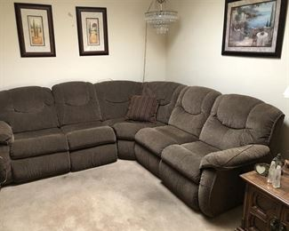 https://www.grasons.com/wp-content/uploads/2019/11/sectional-couch-065638-00WfI6mQ.jpg