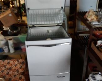 Great condition retro dishwasher with all paperwork.