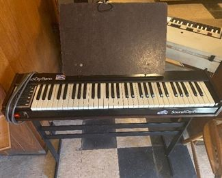 SoundCity portable electric piano