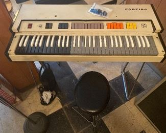 Farfisa Fast Five Portable Electric Organ
