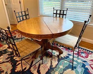 Vinage Oak Table