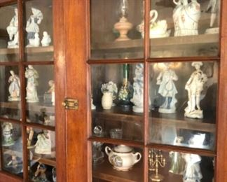 Small figurines and collectibles