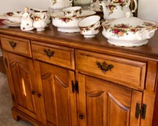 Solid maple Broyhill buffet with lots of storage