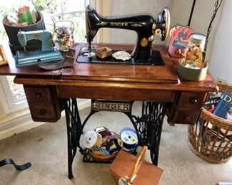 Complete antique singer sewing machine