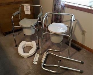 Handicap commodes
