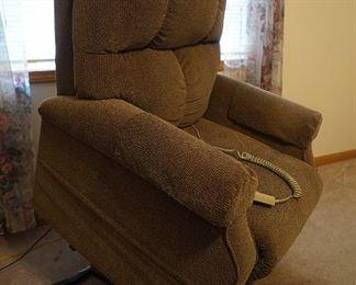 Power lift recliner