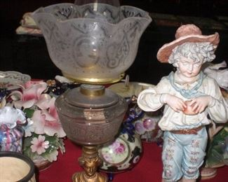 Jenny Lind bust banquet oil lamp with matching shade