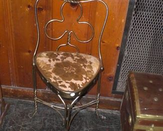 unusual triangle seat club back ice cream chair