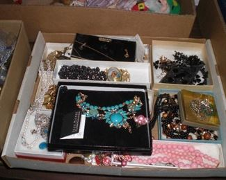 boxes of jewelty