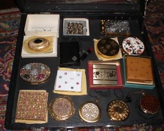 nice selection of vintage compacts