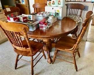 7 pc oak dining set with leaf, ball and claw feet