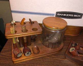 humidor and pipes