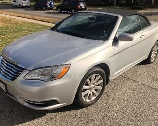 2011 Chrysler 200 Convertible  W/23k miles