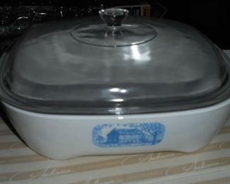 White pyrex casserole w/lid