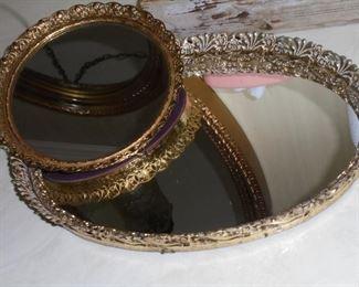 2 vanity mirror trays