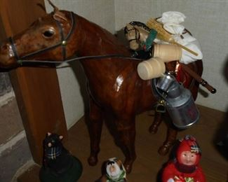 Byers Choice LTD Christmas carolers pack horse