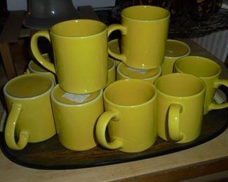 12 yellow mugs - English ironstone