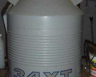 34 XT Union Carbide Liquid nitrogen container - seaman tank