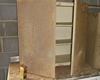 2 of 2 metal cabinets
