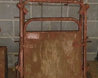Small hog gate