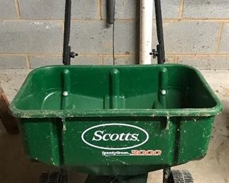 Scott's Speedy Green 3000 Spreader