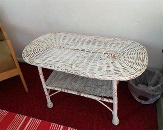 wicker oval coffee table