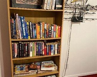 Bookcase/books