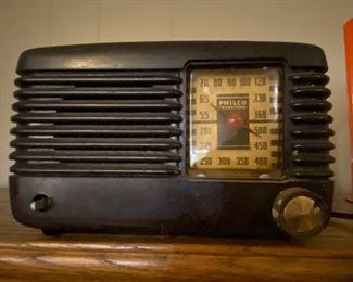 Vintage 1940's Philco Transitone radio