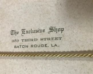 The Exclusive shop vintage hatbox label