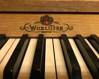Wurlitzer piano detail