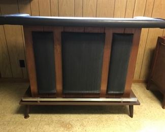 Mid-century style bar w/padded edge and foot-rail