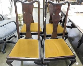 4 MAHOGANY QUEEN ANNE CHAIRS