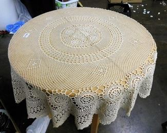 HAND MADE CROCHET ROUND TABLE CLOTH