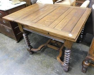 NICE OAK BARLEY TWIST PANELED TOP PUB TABLE