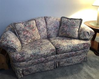Broyhill Floral Love Seat