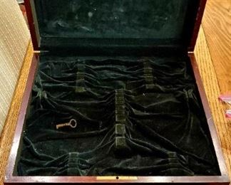Lined box for silverware
