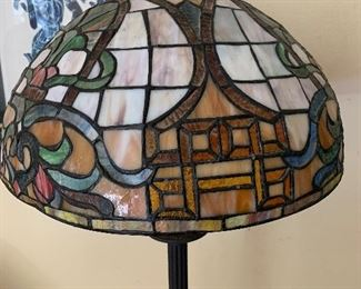 FAUX TIFFANY STYLE LAMP