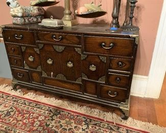 SMALL ORIENTAL CHEST