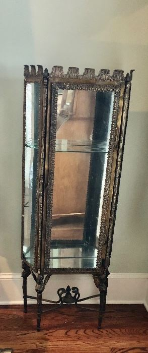 METAL DISPLAY CASE