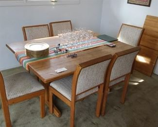 Mid century table and chairs w/ leaf