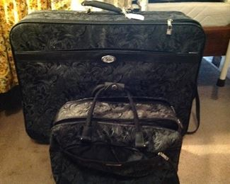 Nice luggage, other pieces are available