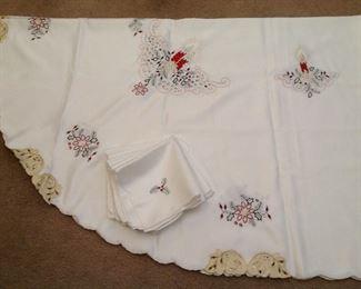 Gorgeous Christmas tablecloth and napkins