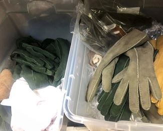 Gloves in all colors