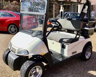 2008 EZ-GO Golf Cart in Excellent Condition.