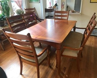 Stunning dining room table w/4 chairs, 2 benches, 1 leaf