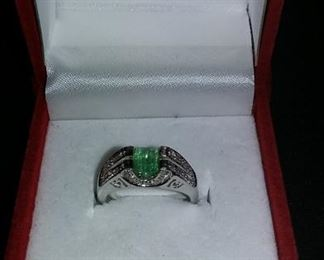14Kt White Gold Diamond and Emerald Ring