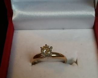 Vintage 14Kt Gold and Diamond Engagement Ring