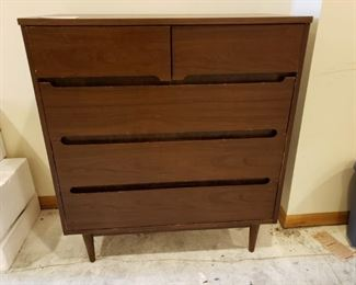 Kroehler Five Drawer Dresser